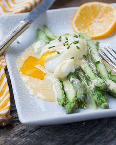 16. Asparagus Benedict #whole30 #paleo #breakfast #recipes http://greatist.com/eat/whole30-breakfast-recipes