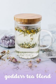 3 Healing DIY Herbal Tea Blends//Zenned Out // zennedout.com