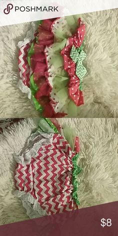 Christmas diaper cover Christmas diaper cover. EUC. Great addition to the Christmas pictures! Absolutely adorable on. little wishes Accessories Diaper Covers
