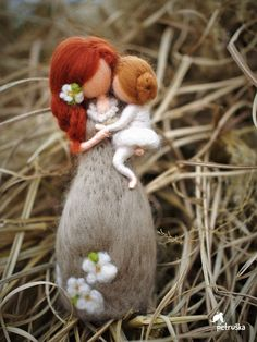 Needle felted waldorf inspired mother with her doughter, gift for every mother…