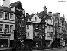 outlander book 3 voyager diana gabaldon - in which we take a look at John Knox and Moubray House in the search for Carfax Close, the location of A Malcolm, Printer's business.