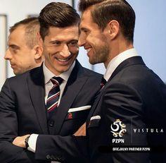 Robert Lewandowski / Fc Bayern München / Poland/ Polish Natinal Team Robert Lewandowski, National Football Teams, Football Boys, Super Sport, Plein Air, Poland, Men Dress, Celebrities, Sports
