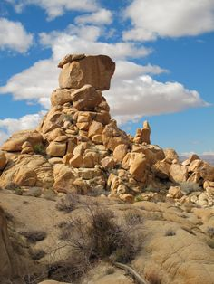 North View Trail Natural Cairn - Best Day Hike in Joshua Tree