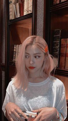 Korean Princess, Get Skinny Legs, Girls World, K Idol, I Love Girls, New Girl, Me As A Girlfriend, Hair Inspo, Korean Girl Groups
