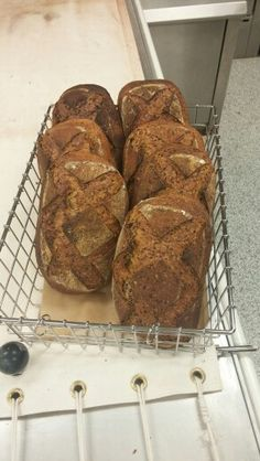 Tartine rye with sunflower and flax seeds