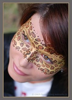 Leopard eye mask by Hana Jurnikova on http://www.snazaroo.com/your-face-painting-pictures/photos/tag/Eye-Art/784/