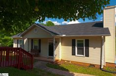 MLS® #1282272 | 31 Shore Drive, Greenville SC Real Estate | Less than 5 miles from Falls Park in Downtown Greenville, SC, this 3BD/2BA is available for only $89,900!