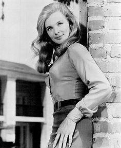 Linda Evans 1965