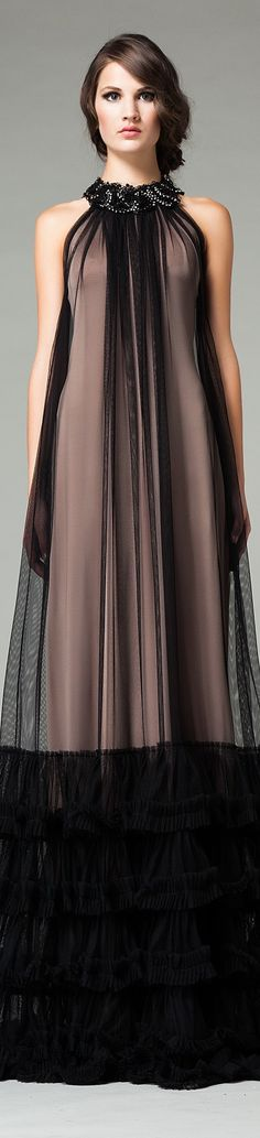 Fall 2015 Ready-to-Wear Veloudakis Gold . I think this would be pretty just above the knee without the bottom ruffles. Love Fashion, Runway Fashion, Fashion Beauty, Womens Fashion, Fashion Design, Beautiful Gowns, Beautiful Outfits, Vestidos Plus Size, Haute Couture Style