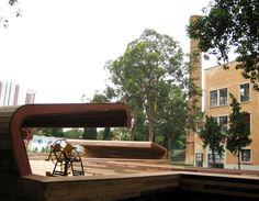 """A Praça Victor Civita permanece aberta durante os feriados de fim ano. O espaço funciona normalmente, das 6h30 às 19h, embora a programação de atividades da Praça retorne apenas no dia 05/01/09. Mas você pode aproveitar o dia de hoje para fazer sua caminhada pela Praça, utilizar os equipamentos de ginástica instalados ao ar livre...<br /><a class=""""more-link"""" href=""""https://catracalivre.com.br/geral/urbanidade/indicacao/conheca-a-praca-victor-civita/"""">Continue lendo »</a>"""