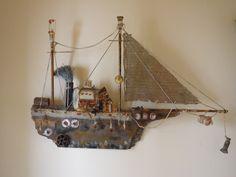 beach-art Driftwood Fish, Diy And Crafts, Arts And Crafts, Boat Art, Art And Craft Design, Found Object Art, Wood Boats, Wooden Ship, Wood Creations