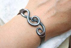 Treble Clef bracciale, fabbro, mano di ferro forgiato gioielli, regalo di anniversario di ferro, gioielli di musica