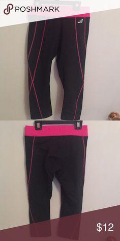 1060c9ab4dc2f1 Ladies BCG Capri leggings Black BCG Capri leggings with hot pink stitching.  Ladies XS Pants Track Pants   Joggers