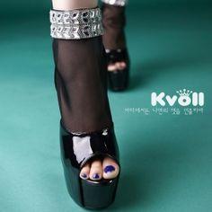 D80801 Kvoll Spring Elegant Rhinestone Mesh Splicing Peep-toe High-heeled Shoes Black