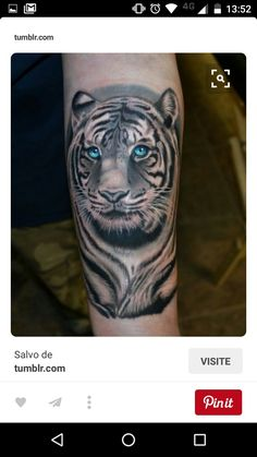 Tiger tattoos are getting popular these days not only for men but also for women. People love tiger tattoos for the very symbolic meaning – a tiger tattoo represents strength. Below, we are going to mention tiger face tattoo designs and ideas. Future Tattoos, Love Tattoos, Beautiful Tattoos, Body Art Tattoos, New Tattoos, Tattoos For Guys, Tattoo Ink, Arm Tattoo, Tattoo Maori
