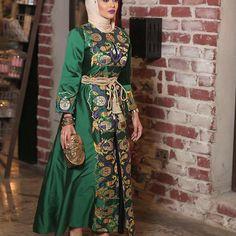 أخضر🍃 . لبسي من @kashkhah_ . #mrmr_4 #mrmr__4 Islamic Fashion, Muslim Fashion, Modest Fashion, Unique Fashion, Eid Dresses, Girls Dresses, Hijabi Gowns, Hijab Style, Abaya Fashion