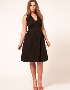 I wish plus size clothing sellers would use plus size models... GideonFriday
