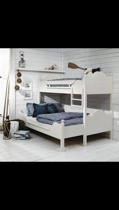 Køyeseng Bunk Rooms, Bunk Beds, Bedrooms, Cottage Plan, Cottage Homes, Cabin Interiors, Building Furniture, Compact Living, Teen Bedroom