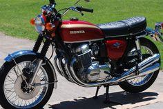 Honda 750 Four Honda Motorcycle Parts, Vintage Honda Motorcycles, Vintage Indian Motorcycles, Honda Bikes, Kawasaki Motorcycles, Motorcycle Design, Vintage Bikes, Motorcycle Helmets, Women Motorcycle