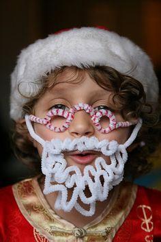 pipe cleaner Santa beard and glasses Beautiful Christmas Scenes, Christmas Love, First Christmas, All Things Christmas, Christmas Holidays, Celebrating Christmas, Xmas, Pipe Cleaner Crafts, Pipe Cleaners