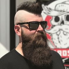 Over images of beautiful bearded men; Mohawk Hairstyles Men, Popular Short Hairstyles, Haircuts For Men, Long Beard Styles, Hair And Beard Styles, Short Hair Styles, Great Beards, Awesome Beards, Moustache