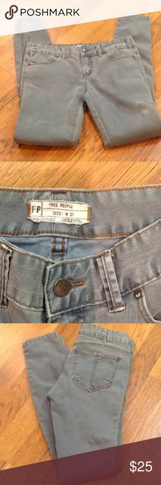 """FREE PEOPLE SKINNY JEANS 👖 WASHED OUT DENIM ✨ FREE PEOPLE WASHED OUT DENIM SKINNY JEANS. SIZE 27/ 31"""" inseam. LOW CUT. GOOD WORN CONDITION.⭐️⭐️⭐️ Free People Jeans Skinny"""