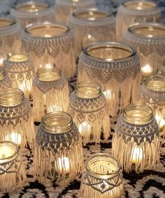 ✨✨All of the macrame jars grouped together remind me of those gorgeous Moroccan lanterns. They create such a magical ambience. The light… Moroccan Ceiling Light, Moroccan Lanterns, Moroccan Decor, Boho Glam Home, Wedding Lanterns, Wedding Decor, Macrame Projects, Diy Décoration, Easy Diy