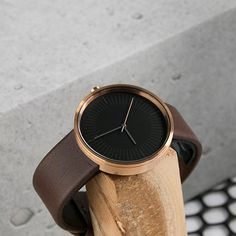 Amber Brown Watch from the SIMPL Timeless Collection. A minimal timepiece to boost your outfit. Crafted to its best with a minimal circular dial & lightweight details. Amber, Highlights, Minimal, Watches, Brown, Accessories, Fashion, Wrist Watches, Moda
