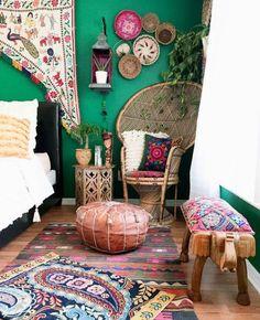 Kelli and Tony Collins & # Home on Design * Sponge - Apartment Decor Ideas Bohemian Interior, Home Interior, Bohemian Decor, Interior Design, Boho Chic, Boho Style, Hippie Chic Decor, Bohemian Apartment Decor, Asian Interior
