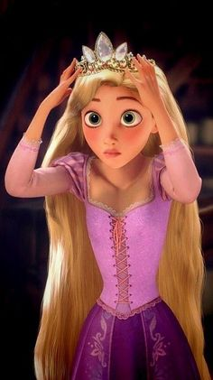 Rapunzel trying on the crown for the first time ever. Princess Fotos, Disney Princess Art, Princess Rapunzel, Disney Art, Disney Movies, Punk Disney, Cute Disney Characters, Disney Rapunzel, Tangled Rapunzel