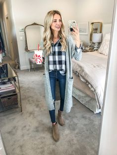 Nordstrom anniversary sale 2018 first picks winter date outfits, dani austi Flannel Shirt Outfit, Flannel Outfits, Cardigan Outfits, Cozy Fall Outfits, Classy Outfits, Cool Outfits, Look Fashion, Fashion Outfits, Winter Fashion