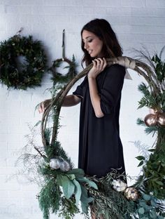 love this giant fresh christmas wreath by Worm london. Click through for more be… love this giant fresh christmas wreath by Worm london. Click through for more beautiful fresh christmas wreath ideas you'll love to make Modern Christmas, Christmas Love, Beautiful Christmas, Handmade Christmas, Christmas Crafts, Christmas Pictures, Contemporary Christmas Decorations, Natural Christmas Decorations, Christmas Popcorn