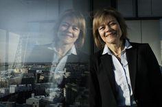"""""""Kaikesta koulutuksesta on hyötyä"""", it-yhtiö Ciscon johdon assistentti Leena Paatelainen sanoo. Tradenomiksi valmistuvan Paatelaisen työhön kuuluu henkilösihteeriroolin lisäksi paljon muitakin vastuita."""