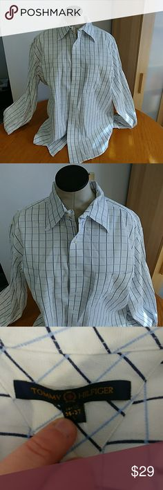 Tommy Hilfiger mens bottom down shirt lg Lite blue and navy size LG 16 1/2 36-37 Tommy Hilfiger Shirts