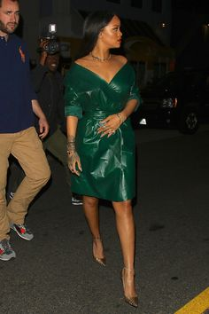 Rihanna Has the Best A-List Style Out There - Celebrities Female Rihanna Street Style, Mode Rihanna, Rihanna Riri, Fashion Killa, Look Fashion, Fashion Outfits, Womens Fashion, Fashion Tips, Mode Chic
