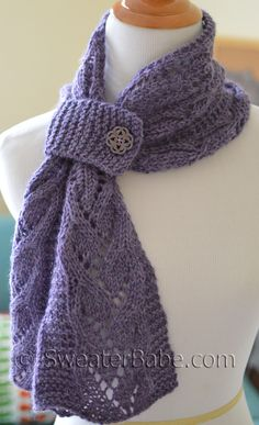 Elise One-Ball Scarflette.  A quick-knit scarf with a Parisienne flair! Just one hank of alpaca blend yarn. #SweaterBabe.com #knitting