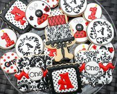 Cookies For Kids, Fancy Cookies, Cute Cookies, How To Make Cookies, Ladybug Cookies, Making Cookies, Gingerbread Decorations, Gingerbread Cookies, Christmas Cookies