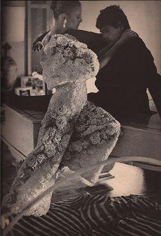 Emilio Pucci A/H 1964-65. Photo Bob Richardson. Mannequin Deborah Dixon (avec Tomas Millian).