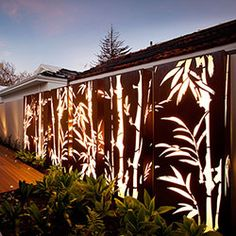 Lump Sculpture Studio's Bamboo design flows over multiple panels with an individual design on each panel Vertical Garden Design, Fence Design, Outdoor Metal Wall Art, Outdoor Walls, Bamboo Light, Garden Wall Art, Bamboo Design, Metal Screen, Camper Makeover
