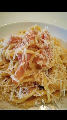 slimming world spaghetti carbonara with stock & quark (use 1 tbsp per person next time) Slimming World Pasta, Slimming World Dinners, Slimming World Recipes Syn Free, Slimming Eats, Sliming World, Cooking Recipes, Healthy Recipes, Unislim Recipes, Lunch Recipes