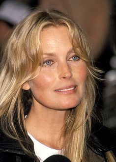 Bo Derek Presents Bathing Suit From Her Movie 10 April 4 1993 Stock Pictures, Royalty-free Photos & Images Beautiful Old Woman, The Most Beautiful Girl, Pretty Woman, Beautiful People, Bo Derek Now, John Derek, Celebrity Twins, Blonde Actresses, Farrah Fawcett