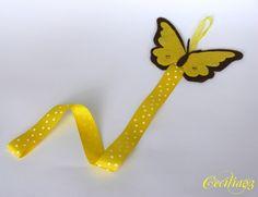 Motýlek ve žluté Sponkovníček, malý pomocník do dívčího pokoje. Filcový motýlek pohlídá ''neposlušné sponky'', které nacházíme snad všude po bytě :-).