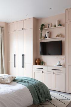 Charming Bohemian Home Interior Design Ideas Cute Home Decor, Easy Home Decor, Cheap Home Decor, Lily Pebbles, Bedroom Closet Design, Home Decor Bedroom, Living Room Decor, Bedroom Signs, Diy Bedroom