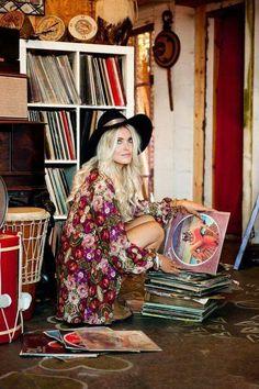 Boho Look Bohemian hippie chic bohème vibe gypsy fashion indie folk the festival style Coachella fashion) Estilo Hippie Chic, Hippy Chic, Estilo Retro, Boho Chic, Gypsy Style, Boho Gypsy, Hippie Style, Bohemian Style, Lps