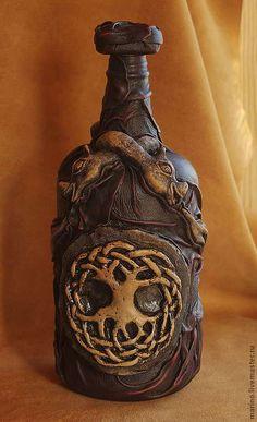 Купить кельтская бутылка - коричневый, бутылка, кельты, готика, подарок, Деталь интерьера, стекло, керамика