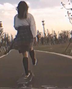 Aesthetic Movies, Bad Girl Aesthetic, Aesthetic Videos, Aesthetic Pictures, Skateboard Videos, Skateboard Girl, Flipagram Instagram, Beautiful Women Videos, Aesthetic Photography Grunge