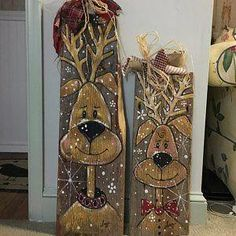 Hand-painted snowman on old Barnwood .- Handgemalter Schneemann auf altem Barnwood Hand painted snowman on old barnwood - Christmas Wood Crafts, Christmas Signs Wood, Snowman Crafts, Rustic Christmas, Christmas Art, Christmas Projects, Holiday Crafts, Christmas Decorations, Christmas Ornaments