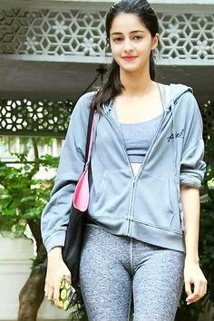 Ananya Pandey Indian Bollywood Actress, Indian Actress Hot Pics, Bollywood Actress Hot Photos, Bollywood Girls, Beautiful Bollywood Actress, Beautiful Actresses, Beautiful Girl Indian, Most Beautiful Indian Actress, Beautiful Girl Image