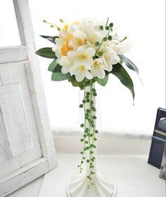 プルメリアのスタイリッシュブーケ。すべて造花でできております。 Silk Flower Bouquets, Silk Flowers, Glass Vase, Decor, Flowers, Decoration, Decorating, Deco