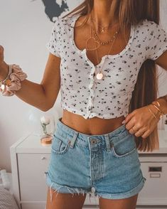 outfit inspo Casual Shredded Mini Denim Ideas, high waisted denim skirt , high waisted denim shorts, demin overall ideas to go out on date Mode Outfits, Girl Outfits, Fashion Outfits, Fashion Belts, Denim Fashion, Womens Fashion, Dress Fashion, Teen Fashion, Fashion Ideas